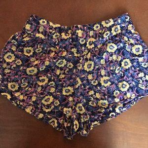 🦄 Women's Shorts
